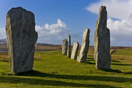 Callanish Stones sind in der Nähe des Dorfes Callanish an der Westküste von Lewis in den Äußeren Hebriden (Western Isles of Scotland) gelegen.