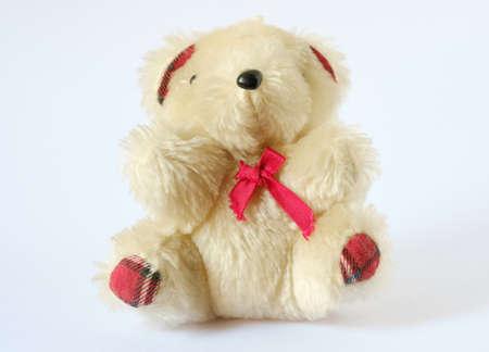 Teddy alte Puppe auf weißem Hintergrund