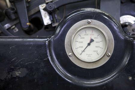measurement of pressure in the printing press at work