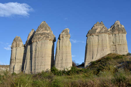 phallic: Las rocas en Capadocia (Turqu�a) tienen una configuraci�n diferente. Estas rocas son similares a s�mbolo f�lico, por lo que estos valles se conoce como Love Valley. Foto de archivo