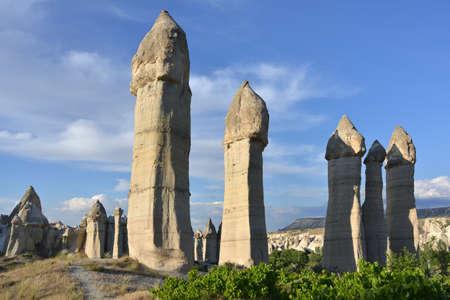 phallic: Las rocas en Capadocia (Turqu�a) tienen una configuraci�n diferente. Foto de archivo