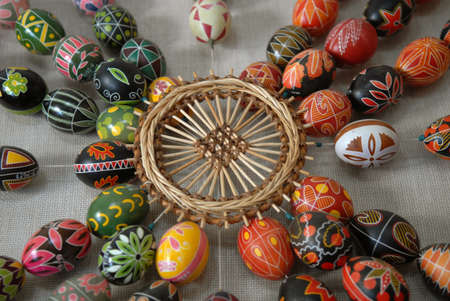 Easter composition - Pysankas (decorated eggs) and crafts made of straw. Kolomyia. Stok Fotoğraf