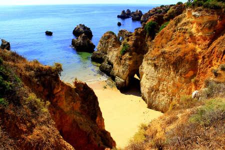 praia: Hidden Algarve beach near Praia da Rocha, Portugal