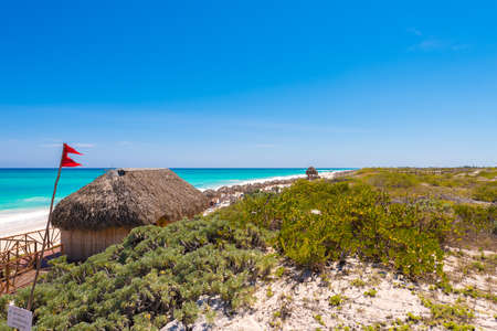View on beach Playa Paradise of the island of Cayo Largo, Cuba. Copy space for text Foto de archivo