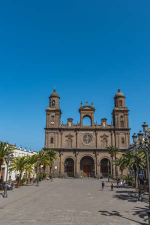 The Cathedral of Saint Ana situated in the old district Vegueta in Las Palmas de Gran Canaria, Spain. Vertical Reklamní fotografie