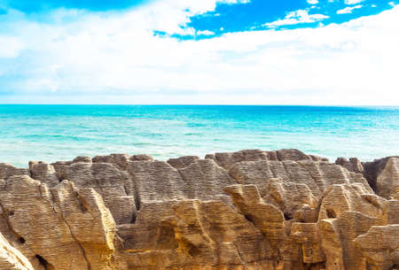 View of pancake rocks in Punakaiki, South island, New Zealand Banque d'images