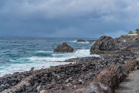 Coastline at Puerto de Santiago with a rocky Beach, Tenerife, Canary Islands, Spain 免版税图像