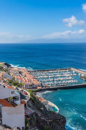 Aerial view of Los Gigantes marina with yachts and boats in Tenerife, Canary islands, Spain Banque d'images