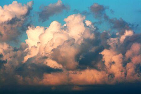 Storm Cloud  Standard-Bild - 5832919