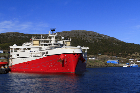 subsea: Offshore seismic vessel in the port