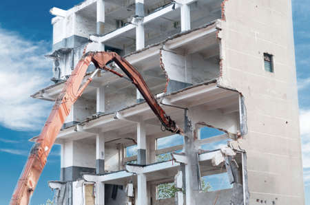 dismantling: dismantling of a house Stock Photo