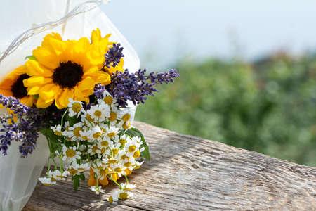 結婚式のグラフィックのためのロマンチックな花要素 写真素材 - 106439718