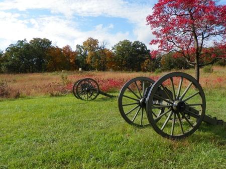 gettysburg battlefield: cannons on gettysburg battlefield in autum Editorial