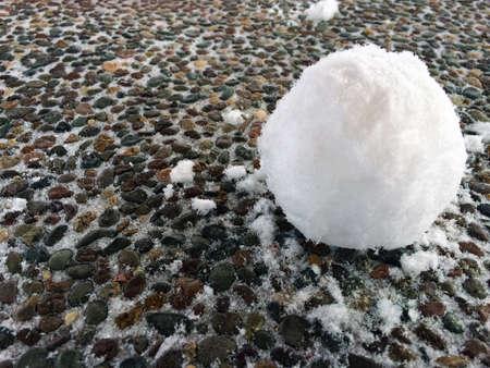 boule de neige: Snowball sur la surface textur�e