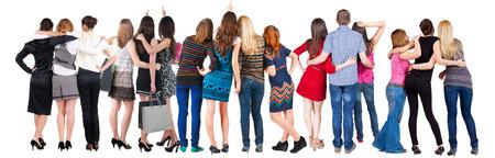 personas mirando: Vista posterior del grupo de personas que buscan. Equipo Vista posterior recogida de las personas. trasero vista de la persona. Aislado sobre fondo blanco. Foto de archivo