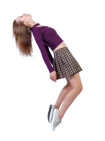 Vista lateral de la mujer en gravedad cero o caída. la niña está volando, cayendo o flotando en el aire. Colección de personas de vista lateral. vista lateral de la persona. Aislado sobre fondo blanco.