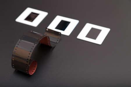 umschwung: Umkehrfilm unter drei Diapositiven (Dias Film)