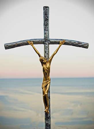 rood: golden crucifix