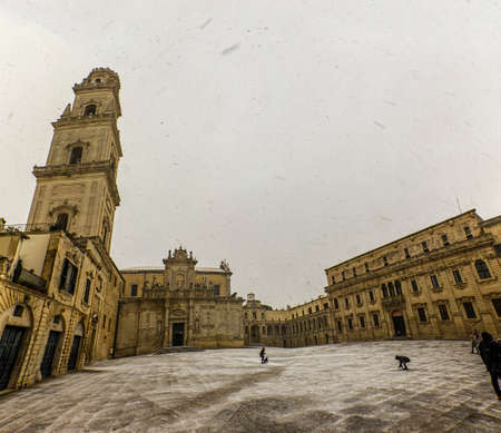 Exceptional snowfall in Lecce with basilic