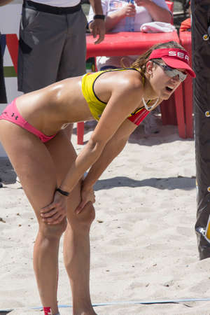 beach volley: QUARTU S.E. , ITALIA - 2014 GIUGNO 7: Europei Beach Volley 2014 - torneo femminile - spiaggia del Poetto - Sardegna