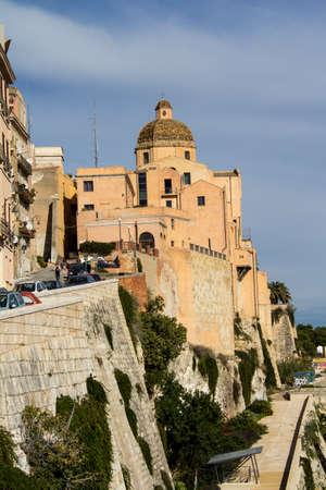 Cagliari: The Cathedral of Santa Maria Assunta and Santa Cecilia in the historic Castello district - Sardinia Imagens