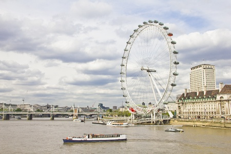 millennium wheel: The London Eye and the Thames river in London