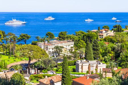 birretes: Vista aérea de Cap Ferrat, Riviera Francesa