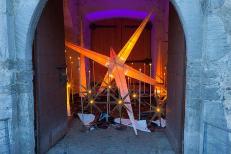 10 12: GlorenzaGlurns, South Tyrol, Italy, 2016 - 12 10: christmas star into medioeval city gate