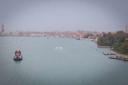 Tilt shift effect of the entrance to the Grand Canal at the Riva degli Schiavoni 写真素材 - 151089563