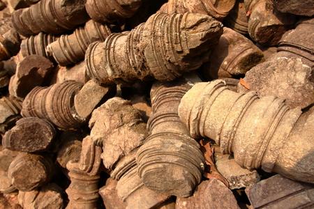 Details of carved columns ruins at Angkor site, Cambodia 版權商用圖片