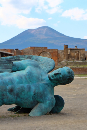 Pompeii, Italy: Mitoraj statue