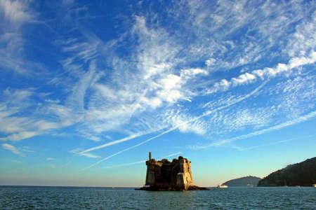 팔 마리아 섬 : 해안 탑 스톡 콘텐츠