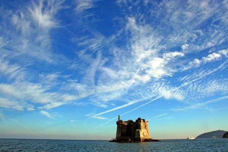 팔 마리아 섬 : 보트에서 본 해안 타워