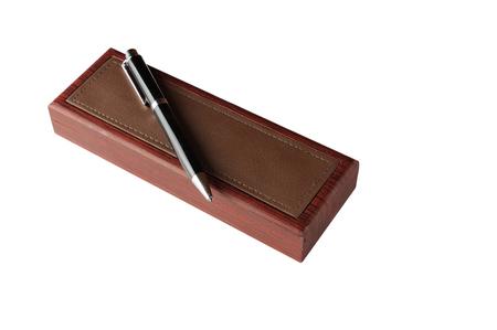 lustre: Shiny wooden pen box and pen