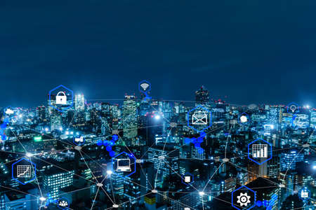 smart city. global media link connecting on night city background, digital, internet, communication, networking, partnership, smart city, business finance, network connection and technology concept 版權商用圖片