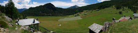 Small village on the mountains in Valtellina, northern Italy Standard-Bild