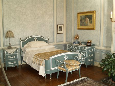 luxury bedroom: old bedroom
