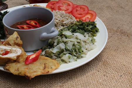 Pecel, indonesia traditional salad dish Stock Photo - 29756000