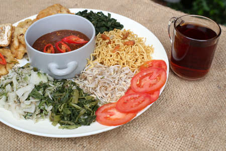 Pecel, indonesia traditional salad dish Stock Photo - 29756038