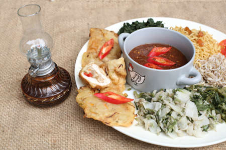 Pecel, indonesia traditional salad dish Stock Photo - 29989333