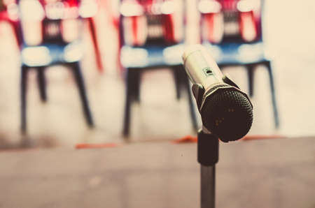 microfono antiguo: Close up of the vintage old microphone in conference room Foto de archivo