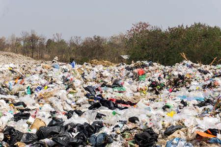 Nong Bua Lam Phu-provincie, THAILAND. 5 februari 2019. Afval van huishouden op stortplaats. Afvalverwijdering op stortplaats in THAILAND