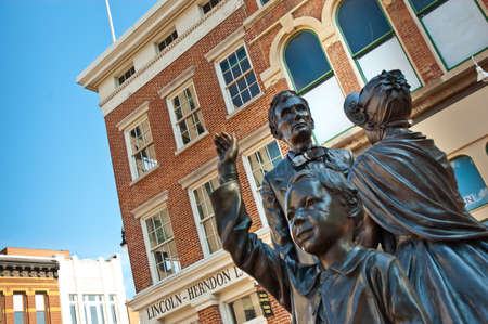 A statue of Abraham Lincoln and his family in front of his old law offices in Springfield, Illinois Stock Photo - 10020472