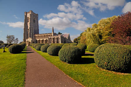 Lavenham parish church, in Suffolk was built in the fifteenth century and is dedicated to St Peter and St Paul. Standard-Bild