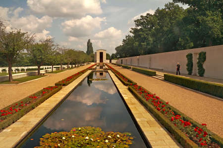 eisenhower: This garden in England commemorates some of the Americans who died during world war two. Nearby are the names of over five thousand  who were never found. A dedication by President Eisenhower is inscibed allong the wall.