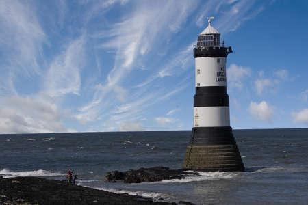 thirty five: Questo faro, costruito nel 1835, prende il nome Trwyn Du, e si trova sulla costa orientale.