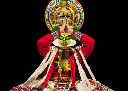 indian classical dance: Cochin, India - January 23, 2016: Kathakali performance in Cochin Cultural Centre. Indian Kathakali dancer, Kerala, Fort Kochi. Kathakali is one of the oldest classical dance forms of Kerala and known as Ramanattam. Editorial