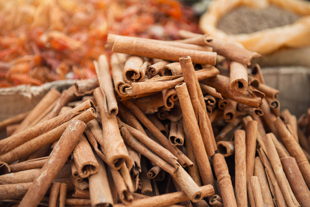 alappuzha: Cinnamon in indian spice market in Kerala, Alleppey