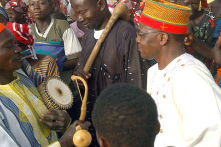 The festival of establishment of a usual chief in Burkina Faso Faso lasts three days. The usual chief succeeds his father deceased, it is always the groin of the family and always a man. It is a very rare event because a chief can be replaced only after h Stock Photo - 11335253