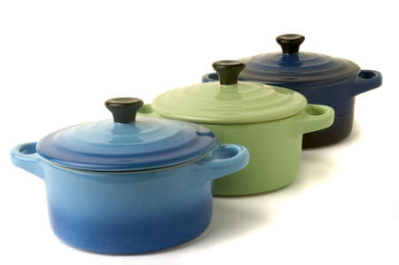 individually: Mini casseroles individual which makes it possible individually to simmer a dish while adding an original character to the presentation.